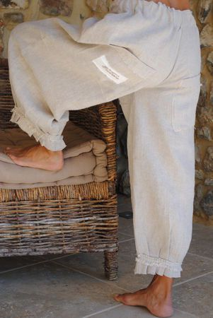 Cute style of pants. they'd be so comfortable...linen.