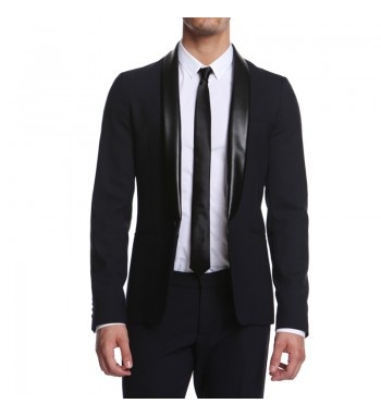 Men's blazer with pu leather contrast collar. http://shop.mangano.com/en/coats-men/16592-marlon-blazer.html  #fashion #menswear #black #jacket #elegant