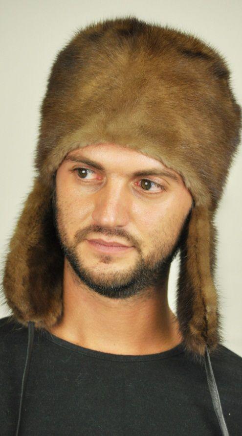 Cappello in visone con copriorecchie. http://www.amifur.com