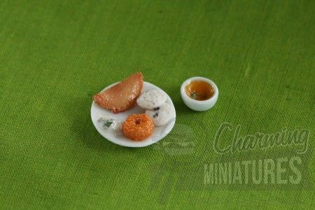 Miniature breakfast. For more miniature food, visit - www.charmingminiatures.com