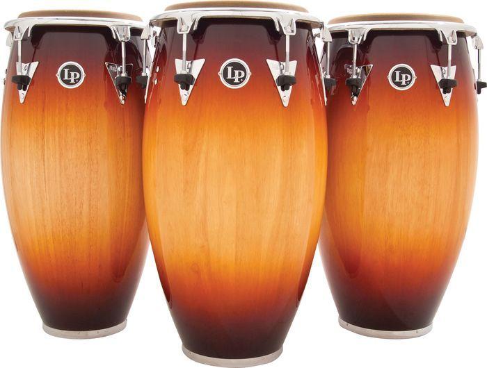 CONGAS:es un instrumento membranófono de percusión de raíces africanas, que fue desarrollado en Cuba. Además de su importancia dentro de la percusión en la música afrocubana, la conga se convirtió en un instrumento fundamental en la interpretación de otros ritmos «latinos» como la salsa y el merengue.