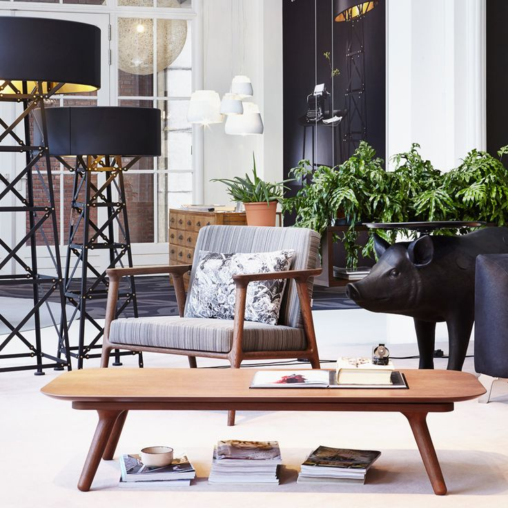 Zio Lounge Chair und Coffee Table