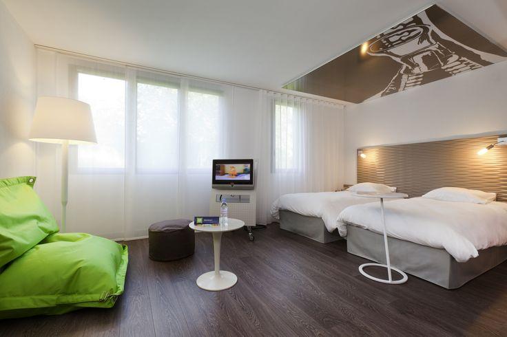 chambre Ibis Styles Lille Aéroport #hotel #IbisStyleslilleaeroport #Lesquin #HotelLesquin #HotelLille #grandechambre #30m² #design