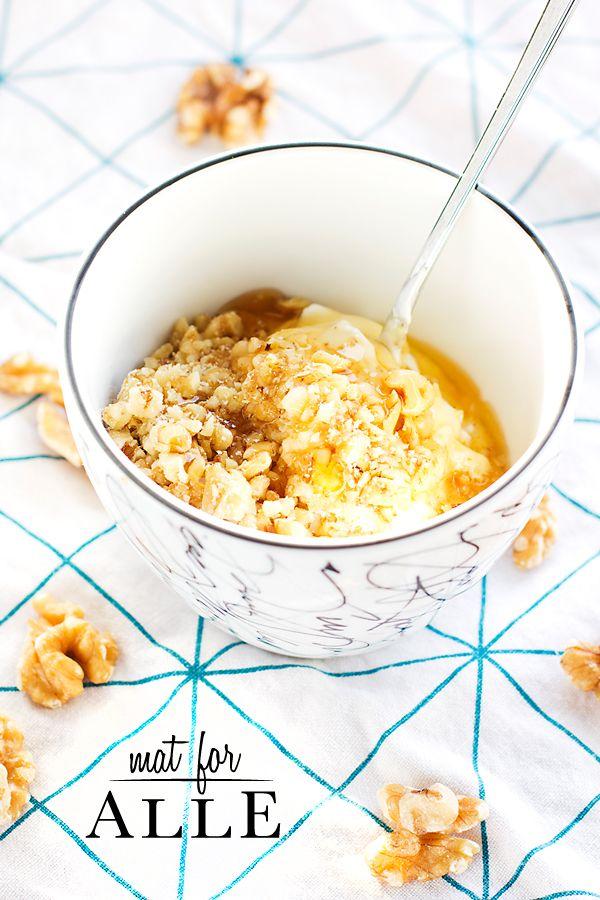 Yoghurt with honey and walnuts, Yoghurt med honning og valnøtter, www.matforalle.no