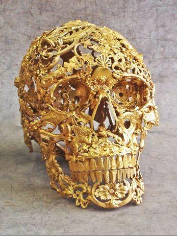 Gold skull. Alain Bellino