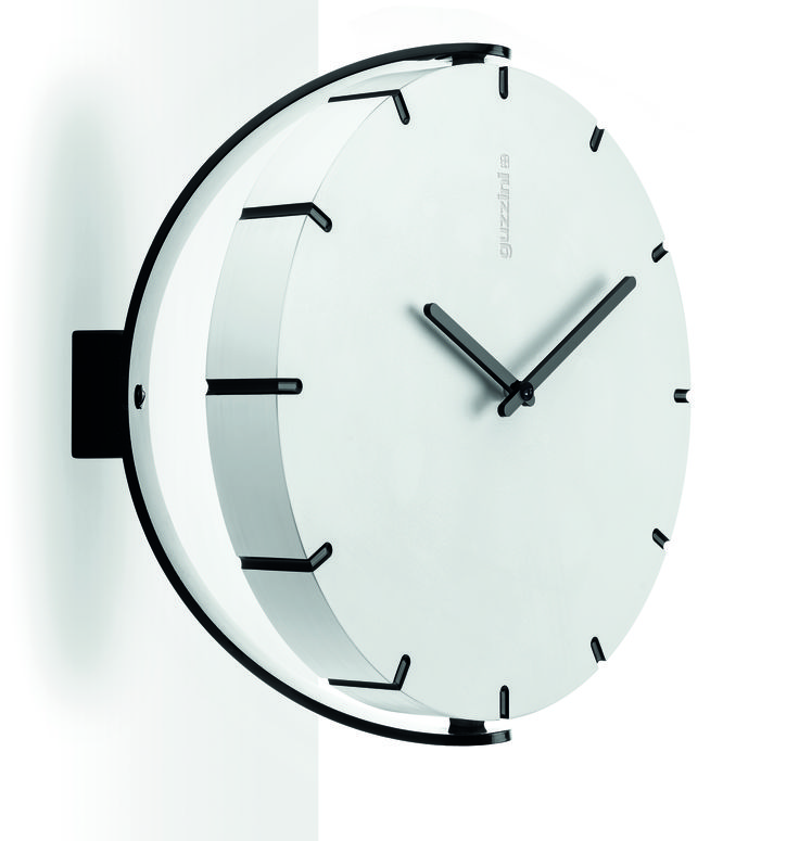 60 MINUTES - 180 DEGREES  Move Your Time;  Meneghello Paolelli Associati for Fratelli Guzzini. It's a universal, adjustable clock with simple, elegant lines with a system that adapts it very effectively to all furnishing needs. It Can be a simple wall clock, hanging from its wire, or a convenient table-top or wall clock with up-down and right-left adjustment.  #meneghellopaolelli #guzzini #meneghellopaolelliassociati #clock #design #smart #plastic