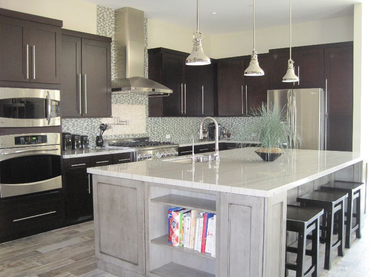 Sparkly granite kitchen countertops white granite kitchen for White kitchen cabinets with white marble countertops