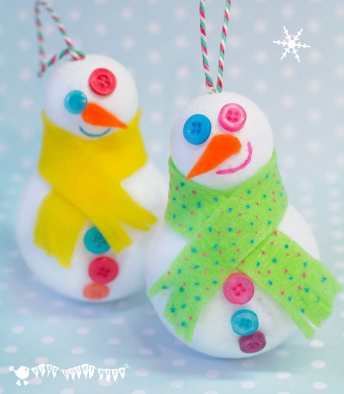 Winter Snowman 3D Craft | Winter just isn't the same without snowman crafts for preschoolers that will put the little ones in the mood for a flurry of fun.