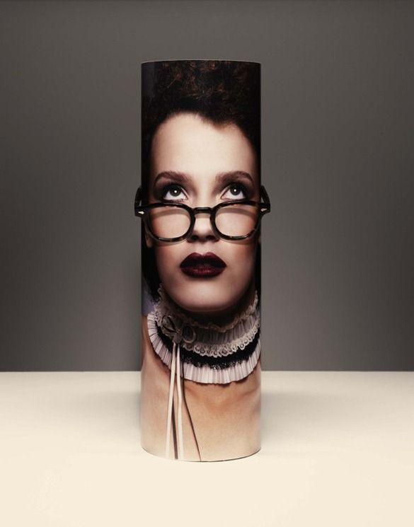 Ingeniosos Displays para venta de lentes. packaging | UQAM | Sylvain Allard