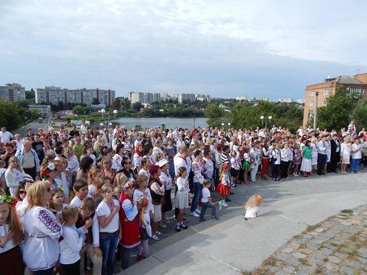 Парад вишиванок в м. Умань 2014 рік