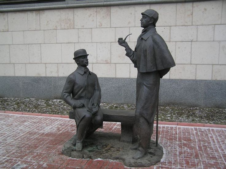 The monument of Sherlock Holmes and Dr. Watson