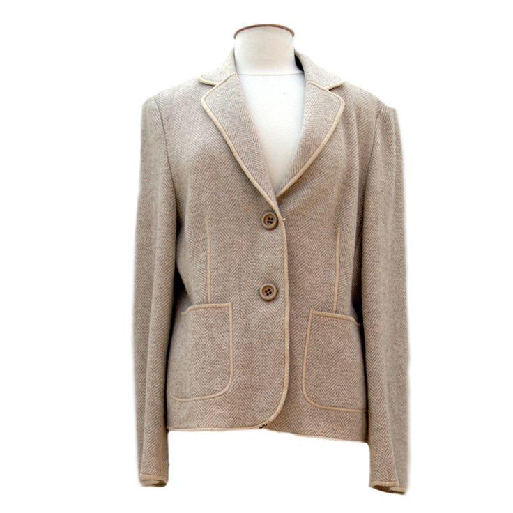 Klassiek colbert met een chique uitstraling van Clement, maat 44. Tweedehands Klassekleding : kleding waar vrouwen van houden