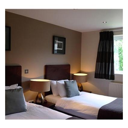 The Lodge Hotel, Putney