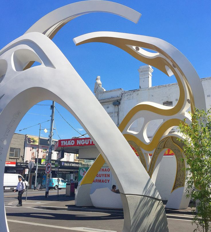 So I wandered out of Sapa Hill after an amazing lunch with a good friend and this caught my eye! Saigon Welcome Arch in Footscray, perhaps one of the most beautiful sculptural masterpieces I've ever laid my eyes on! People of Melbourne and beyond, get your feet, eyes and tastebuds here and explore!   #littlesaigon #saigonwelcomearch #vietnamese #footscray #melbourne #culinarydelights #arch #sculpture  #culture #discover #explore #wander #travel #visitvictoria #australia