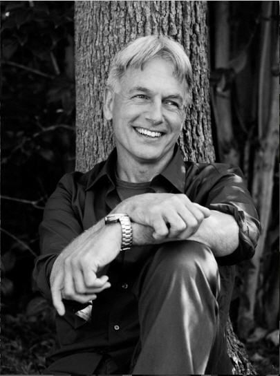 Mark Harmon. Yeah, that's right, Mark Harmon. Wanna fight about it?? ;)