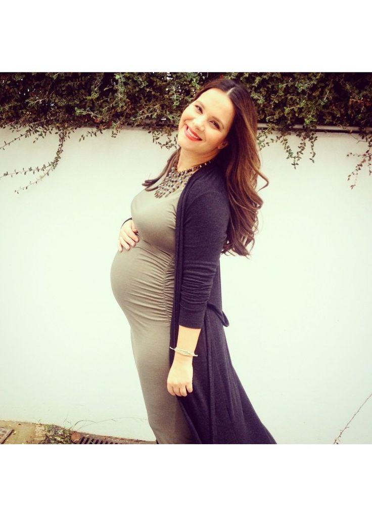 Eliana Chrysicopoulou wearing Nanarise Maternity Damia jersey dress! Comfy & Chic day & night! Now available at Nanarise Maternity e-shop! #styleTheBump
