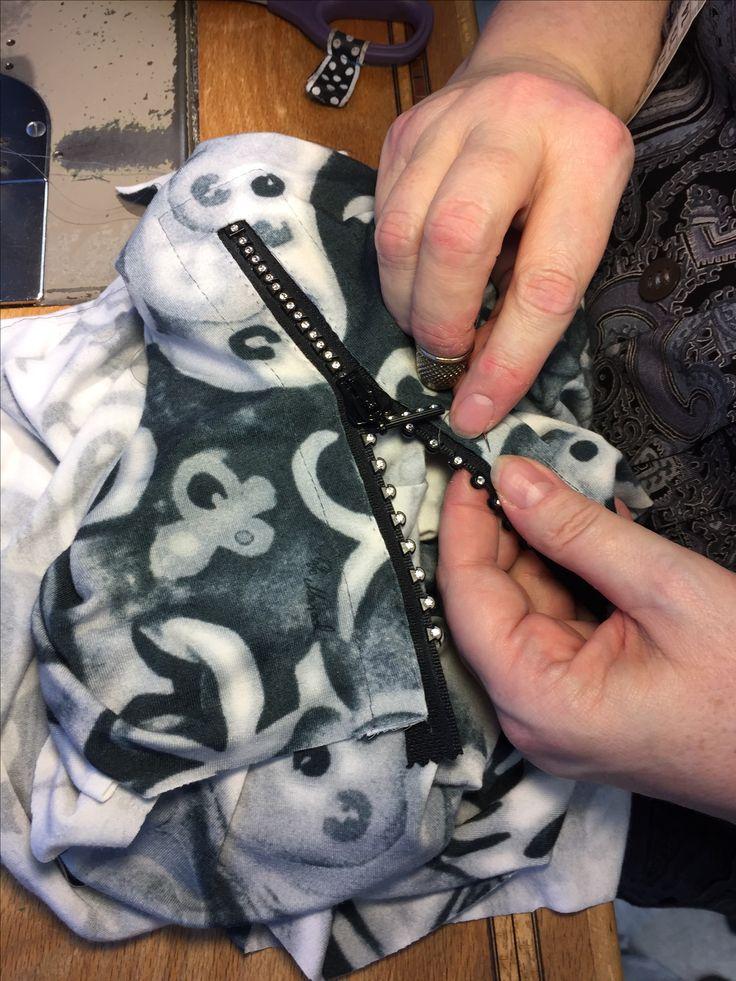 Swarovski zipper in a blouse. Fabric from Joel and Sons, London. reliefbyjunker.dk