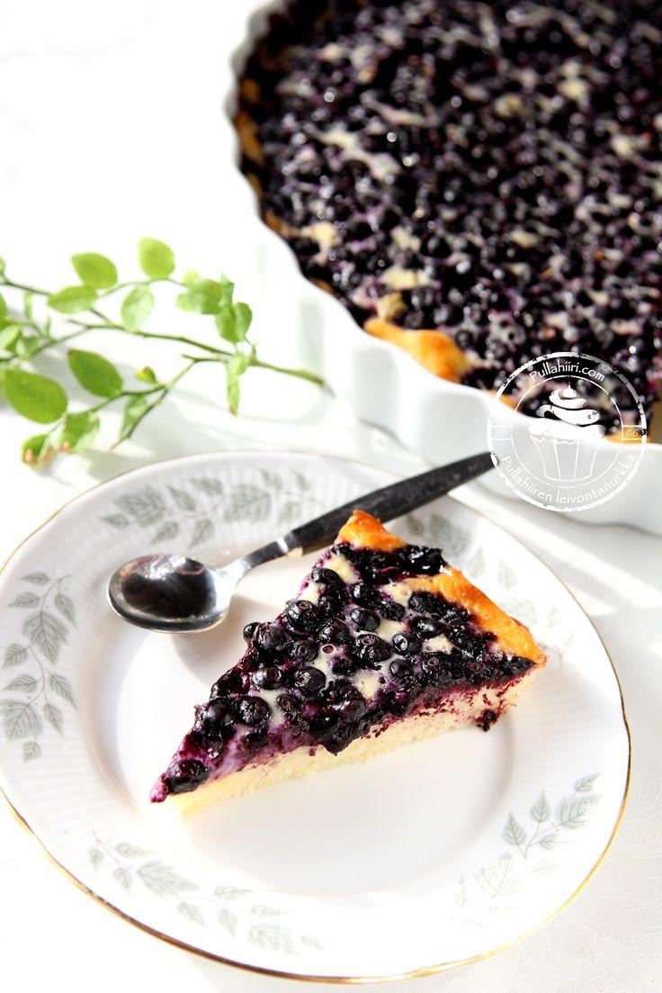 Pullahiiren leivontanurkka - Mustikkapiirakka ranskankermatäytteellä