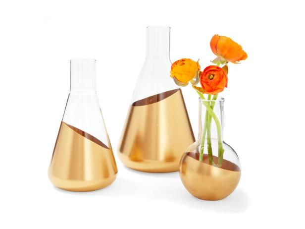 Beakers or flasks dipped in paint