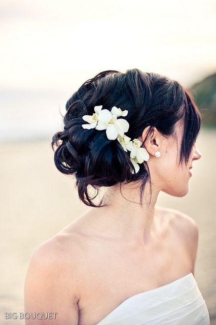 i looove this. Tahitian flowerS?