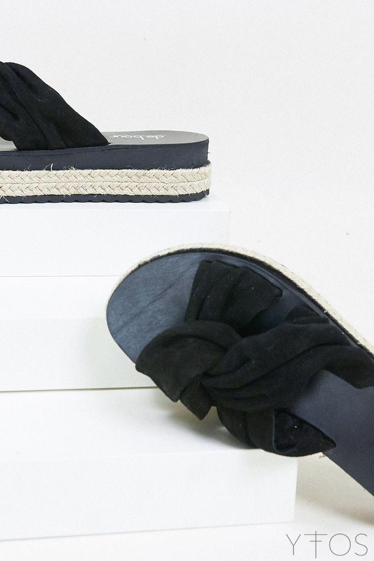 Yfos Online Shop   Shoes   Wrinkled knot Sandals by De.bour