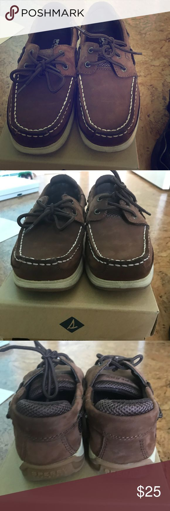 Boys Sperry shoes size 2.5y Brown leather Sperry shoes. Only wore a couple of times. Boys size 2.5. Like new condition. Located in Golde Gate. Sperry Top-Sider Shoes Dress Shoes