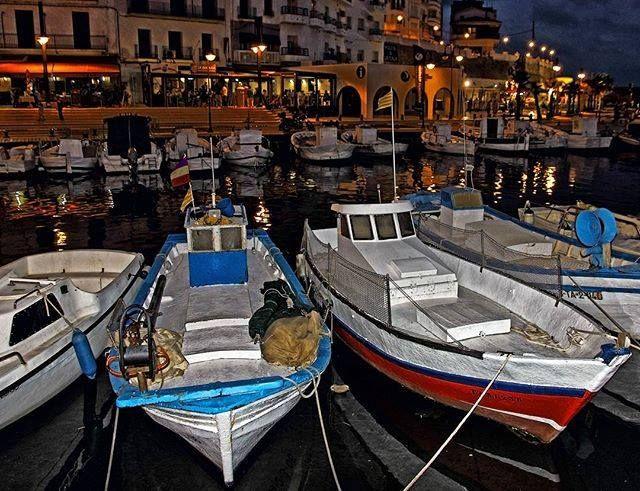 #Photo @ramon_pegueroles #ametllademar #ametllamar #terresdelebre #tarragona #catalunya #catalogne #cataluña #catalonia #pesca #fishing #pêche #platja #playa #plage #beach #estiu #verano #été #summer #sun #vacances #vacaciones #holiday #traveling #viajes #travel #visit #eatheword #vamosdeviaje #voyage #escapadas #experiences #traveller #food #gastronomia #gastronomy #happyholidays #mediterrani #mediterraneo #mediterranean #visiting #vacation #trip #tourism #tourist #reservadelabiosfera