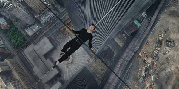 Review: 'The Walk' Captures High-Wire Bravado at World Trade Center - NYTimes.com
