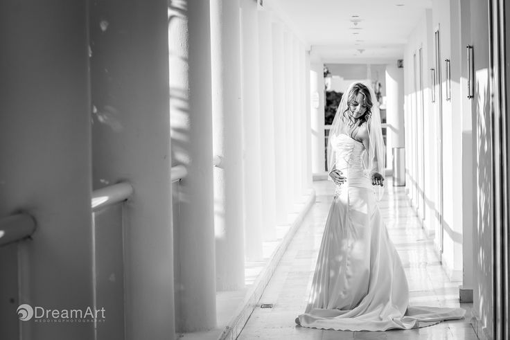 In a #BlackandWhite #Photography a beautiful Bride is captured by #DreamArtWeddingPhotography at #PlayacarPalace @palaceresorts #Wedding #Bride #Light #Playacar #RivieraMaya #Mexico Special thanks to @prweddings