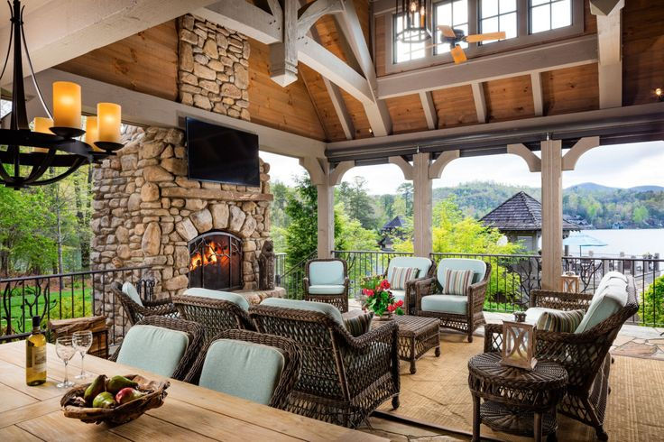 Alan Jackson Is Selling His Rustic Lakefront Home for $6.4 Million - CountryLiving.com