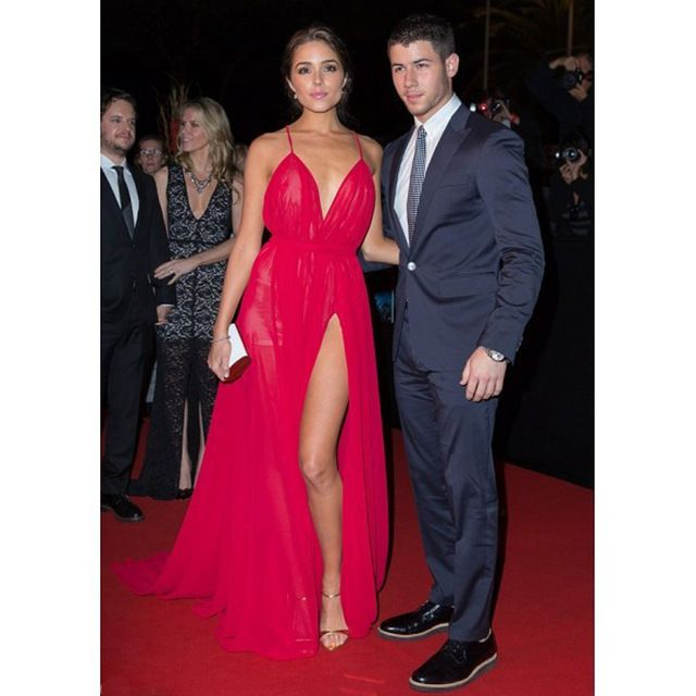 Michael Costello Olivia Culpo Rosy Sexy Red Celebrity Dresses 2017 High Split Backless Red Carpet Gowns Deep Sweetheart Gowns