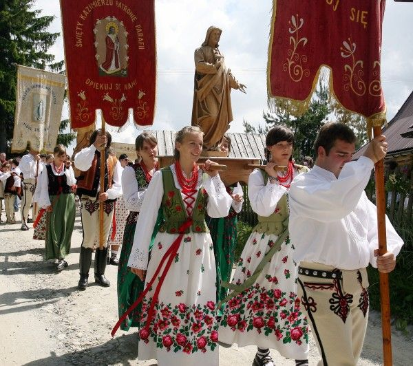 Traditional Tatra dress / Feast of Corpus Christi Photo by: Grzegorz Momot