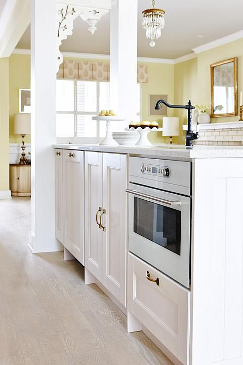 Sarah Richardson Design Real Potential Ikea Ramsjo white kitchen with light  floors 291 best Sarah Richardson   Tommy Smythe  LOVE  images on  . Sarah Richardson Kitchen Designs. Home Design Ideas