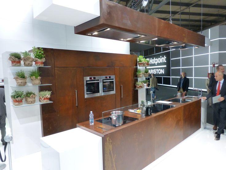 Een complete keuken opgetrokken uit Corten / A complete kitchen made out of Corten steel