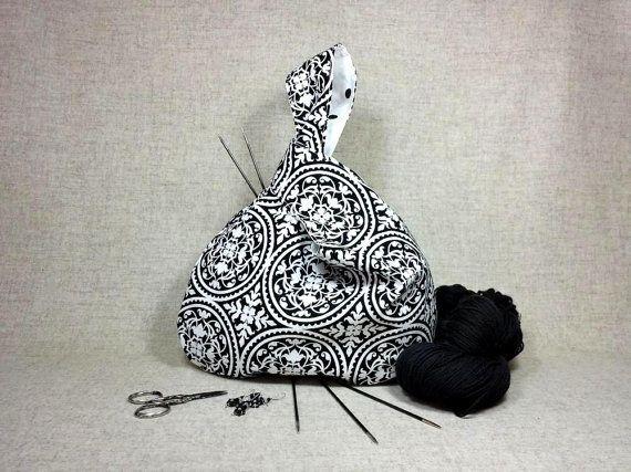 Projekttasche Ornamente Punkte schwarz weiß von frostpfoetchen