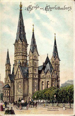 """""""Gruss aus Charlottenburg""""Eine historische Postkarte zeigt die Gedaechtniskirche in ihrer urspruenglichen Gestalt."""