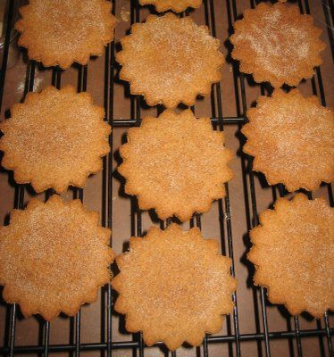 homemade graham crackers! simple recipe! no eggs, and only a 1/4c of granulated sugar!