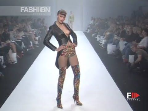 SCOTT HENSHALL Full Show Spring Summer 2003 London by Fashion Channel http://www.youtube.com/watch?v=COMmnHAPVns #FashionChannel