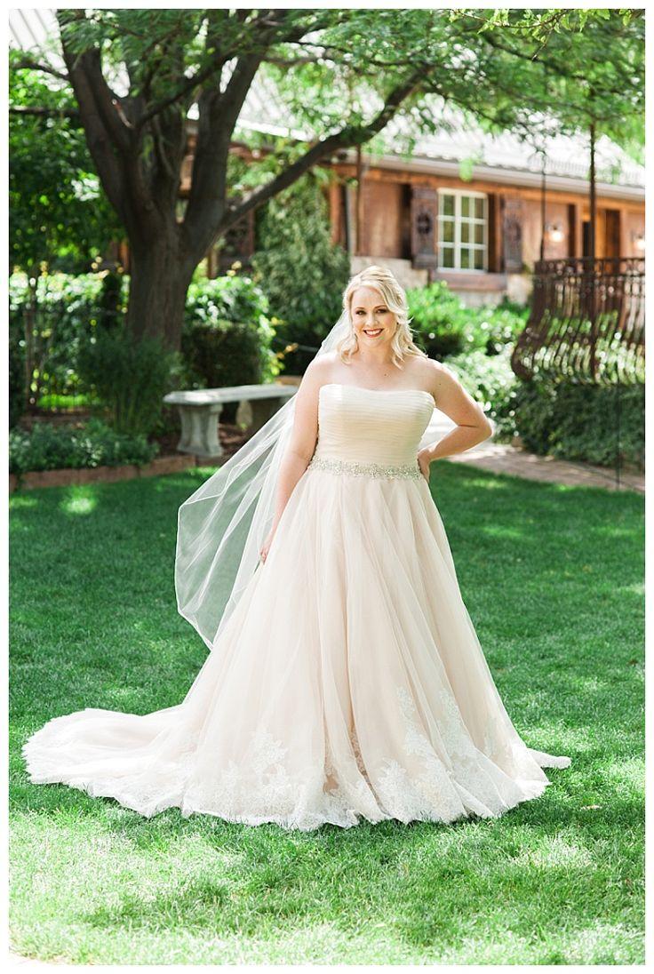15 best Plus Size Bridal images on Pinterest | Short wedding gowns ...