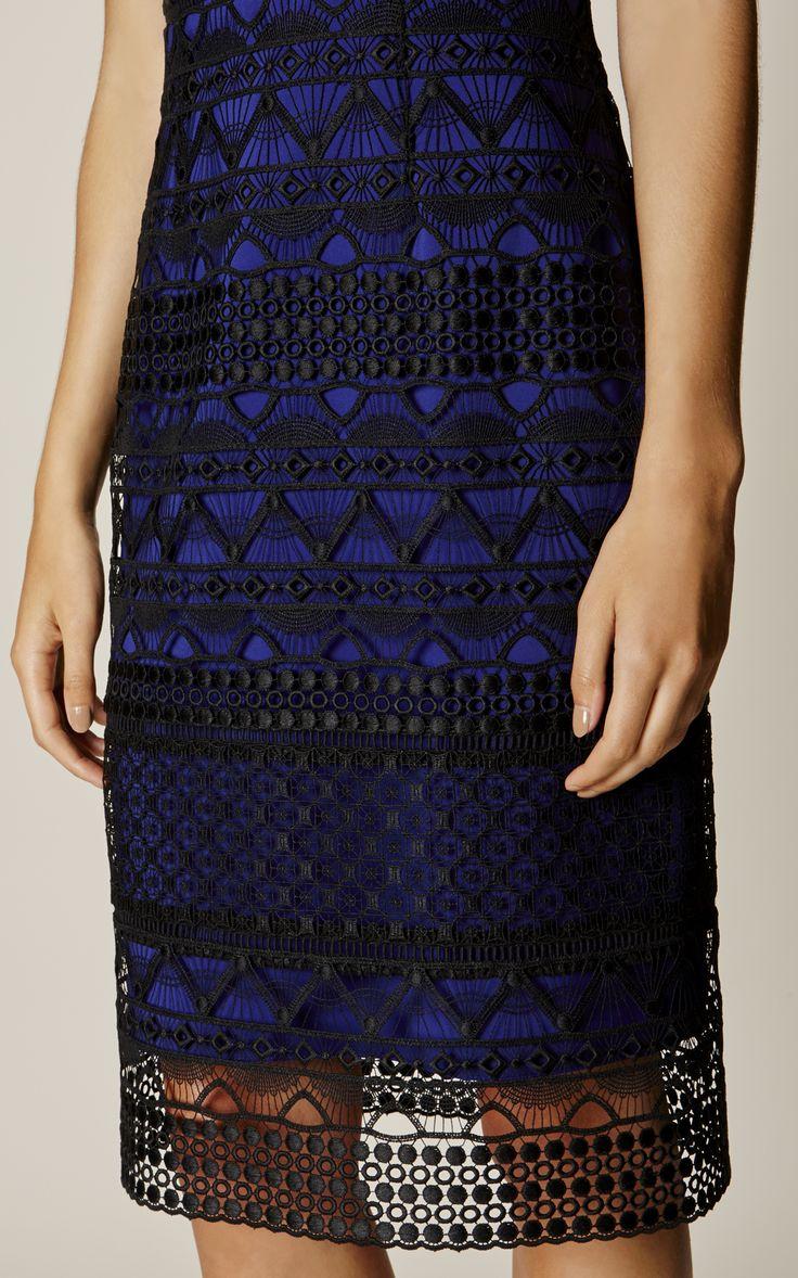 Karen Millen, GRAPHIC LACE PENCIL DRESS Black/Multi