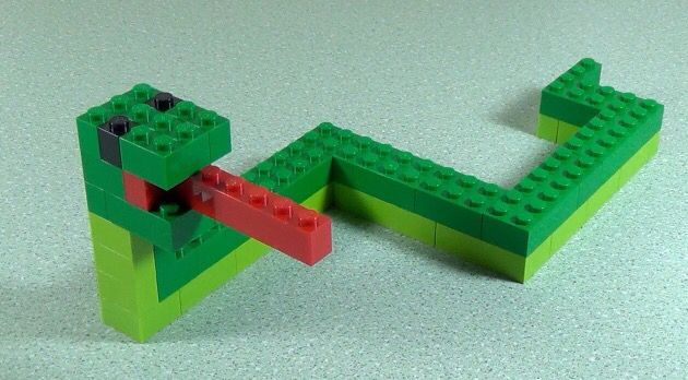 Lego snake (no instructions)