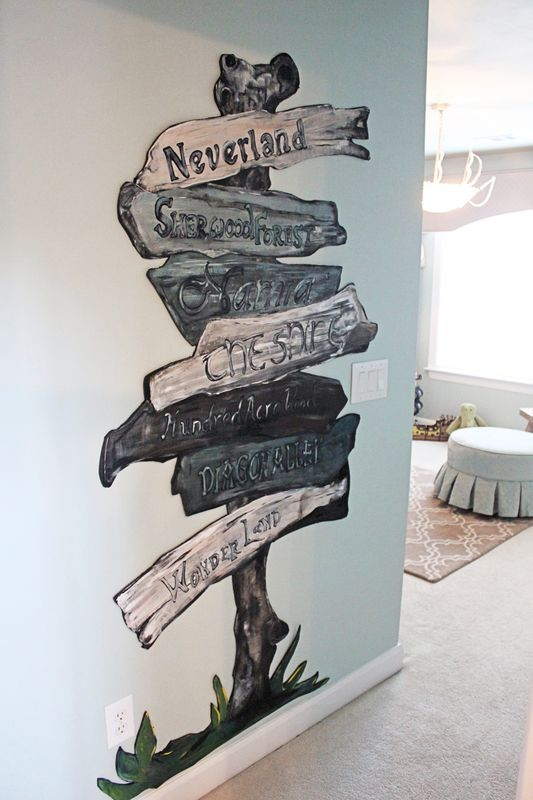 Classic Children's Storybook Nursery - All the best in one place. I kind of want this in my own room now!