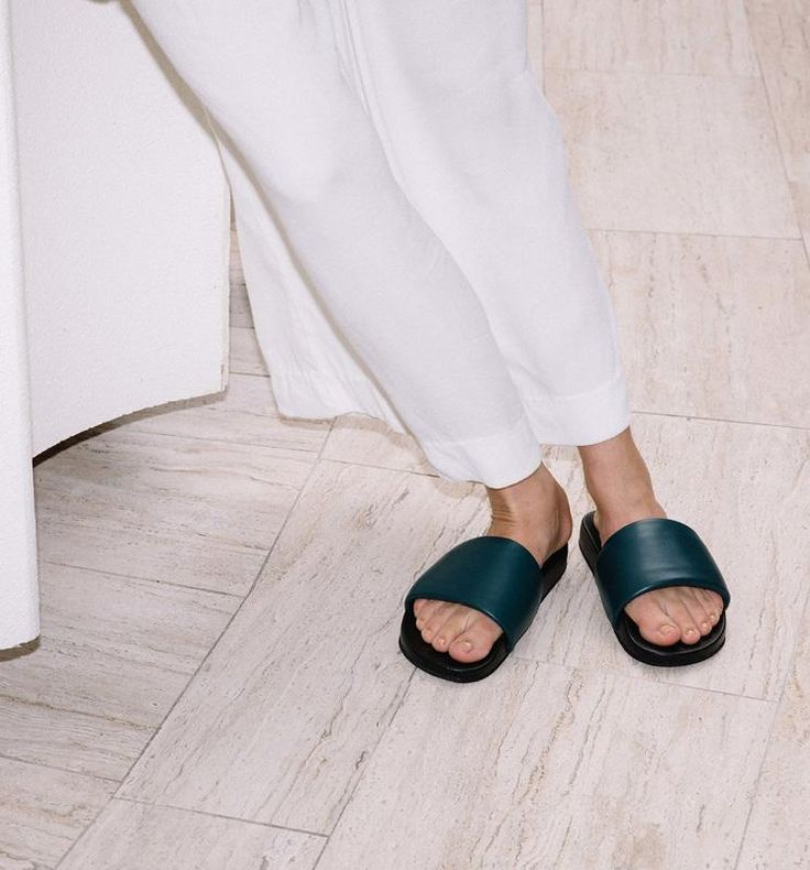 Radical Yes - 'The Magic' Luxe Leather Pool Slide Teal