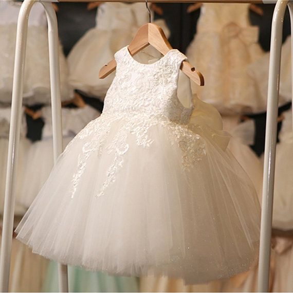 Pure elegantie witte Lace bloemenmeisje jurk doop door Beestyledkids