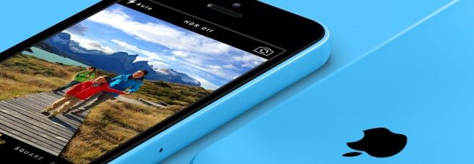 """Em meio a piadinhas sobre as cores escolhidas para o dispositivo e cutucadas dos rivais, a Apple apresentou na última semana o seu smartphone de baixo custo, o iPhone 5C. Na verdade, """"baixo custo"""" não é o termo ideal para descrevê-lo, pois o valor do aparelho só fica abaixo de US$ 100 mediante umco"""