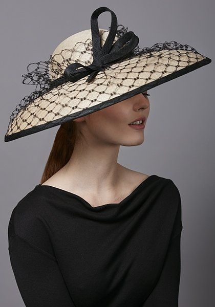 R1873 - Natural straw hat with black honeycomb veiling and twist