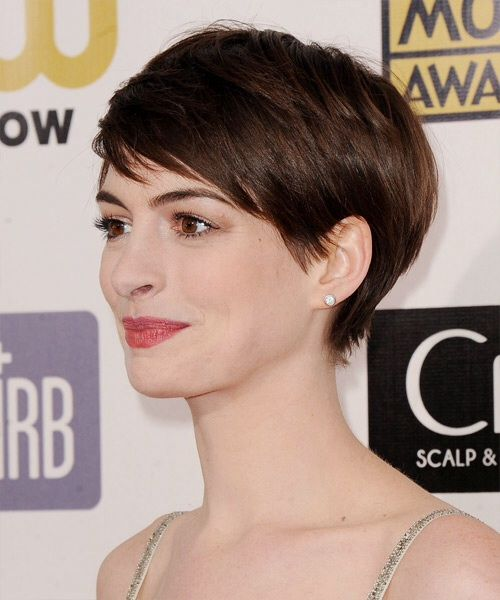 Anne Hathaway cropped hair from the side