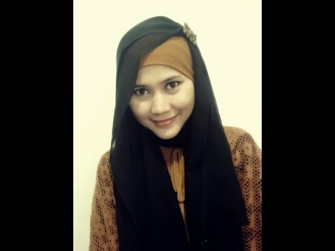 A tutorial to wear Hijab Paris which is simple yet looked beautiful for all Muslimah. Find us on Facebook at   http://www.facebook.com/CaraMemakaiJilbab1