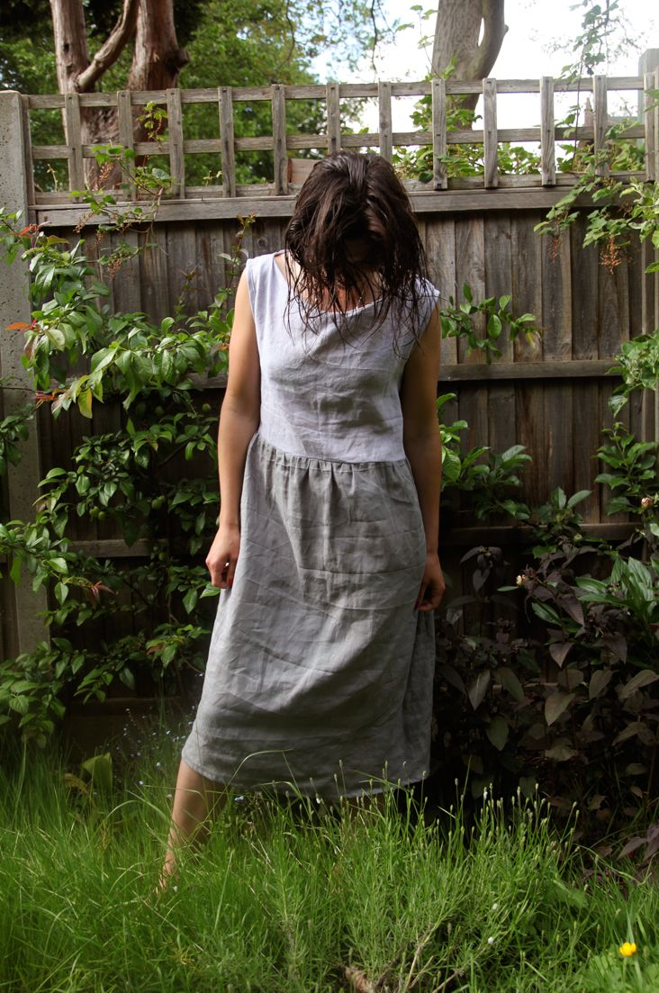 Tutorial: Two-tone linen summer dress (add pockets)