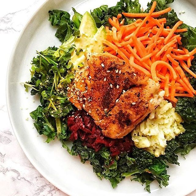 www.sizzlefish.com  Judging by the looks of thisAtlantic cod kale salad, it's going to be a great day @fitandwellmedgal! _ Head to our website: www.sizzlefish.com to order your perfectly portioned fish and shellfish today! Don't forget! Free shipping on all orders!